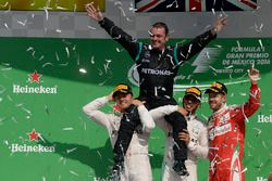 Podium: race winner Lewis Hamilton, Mercedes AMG F1, second place Nico Rosberg, Mercedes AMG F1, thi
