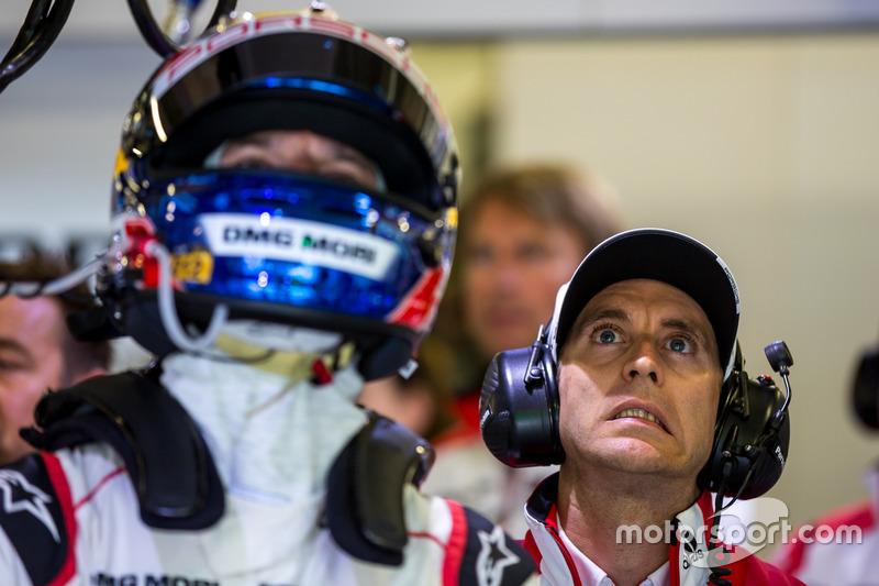Porsche Team: Timo Bernhard, Mark Webber