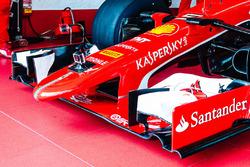 Nase: Ferrari SF15-T