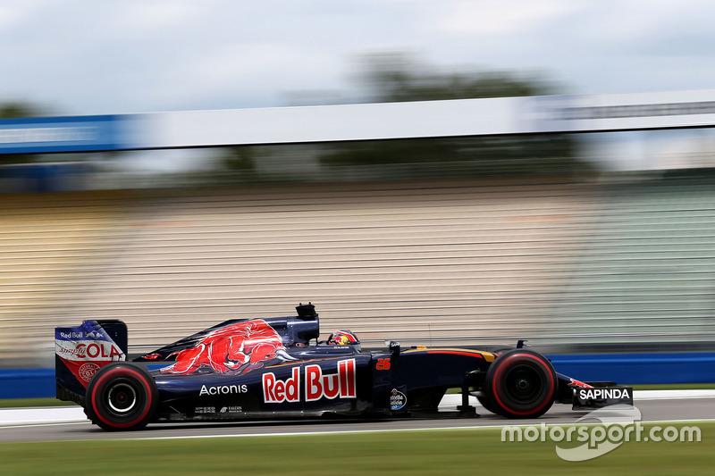 2016 год. За рулем Toro Rosso STR11 на одной из пятничных тренировок