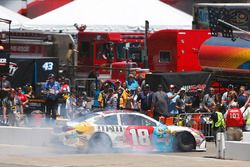 Problemas de motor para Kyle Busch, Joe Gibbs Racing Toyota