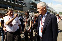 Pasquale Lattuneddu of the FOM with Marco Tronchetti Provera, Pirelli Chairman on the grid
