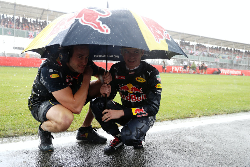 Max Verstappen, Red Bull Racing RB12 at the grid