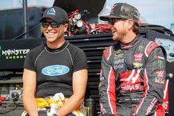 Brian Scott, Richard Petty Motorsports Ford, Kurt Busch, Stewart-Haas Racing Chevrolet