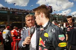 David Coulthard, Red Bull Racing and Scuderia Toro Advisor and Channel 4 F1 Commentator with Daniil Kvyat, Red Bull Racing on the grid