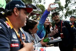 Даниил Квят, Red Bull Racing с фанатами