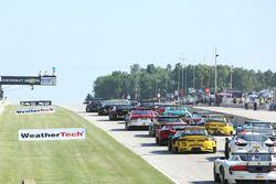 Start: #43 RealTime Racing Acura TLX-GT: Ryan Eversley leads