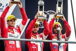 Podium LMP1 : les vainqueurs du LMP1 privé, #12 Rebellion Racing Rebellion R-One AER: Nicolas Prost, Nick Heidfeld, Nelson Piquet Jr.