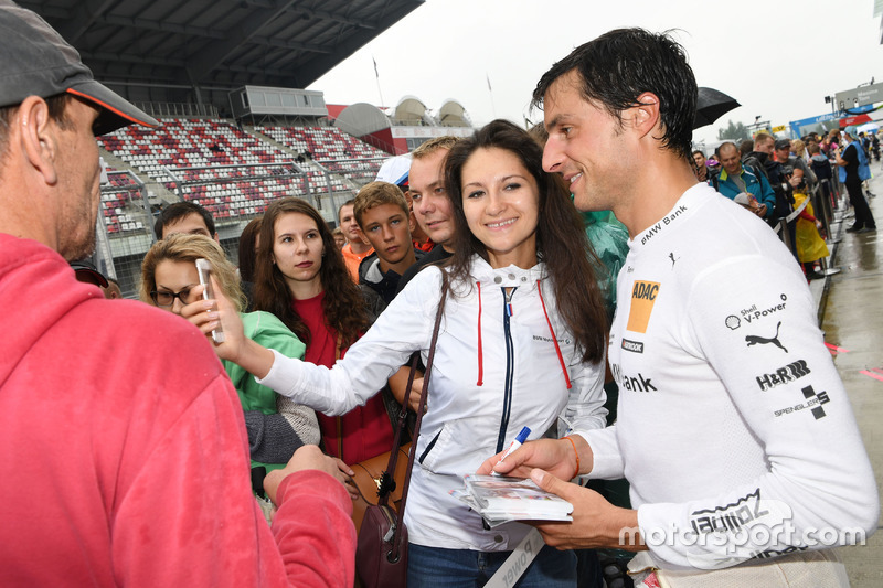 Bruno Spengler, BMW Team MTEK, BMW M4 DTM with fans
