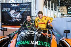 Kurt Busch y Ryan Hunter-Reay en el coche Radical que participa en la 2017 Race of Champions en Miam