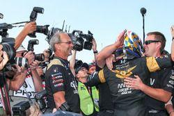 Polesitter: James Hinchcliffe, Schmidt Peterson Motorsports Honda