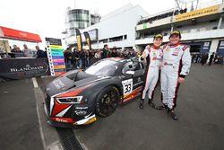 Les vainqueurs #33 Belgian Audi Club Team WRT Audi R8 LMS GT3: Enzo Ide, Christopher Mies