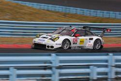 #912 Porsche Team North America, Porsche 911 RSR: Earl Bamber, Frederic Makowiecki
