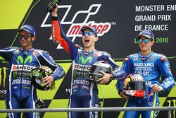 Podium: winner Jorge Lorenzo, Yamaha Factory Racing, second place Valentino Rossi, Yamaha Factory Racing, third place Maverick Viñales, Team Suzuki MotoGP
