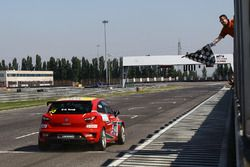 Seat Ibiza Cup #55, Torelli, taglia il traguardo
