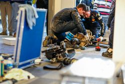 Mechanics working on the car of Hyundai i20 WRC, Hyundai Motorsport