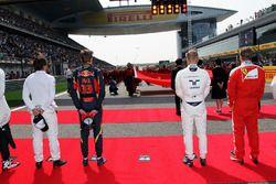 Max Verstappen, Scuderia Toro Rosso, Valtteri Bottas, Williams as the grid observes the national ant