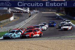 Stefano Comini, Leopard Racing, Volkswagen Golf GTI TCR; Sergey Afanasyev, Team Craft-Bamboo, Seat L