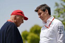 Niki Lauda, Mercedes Presidente no ejecutivo y Toto Wolff, Director Ejecutivo de Mercedes GP