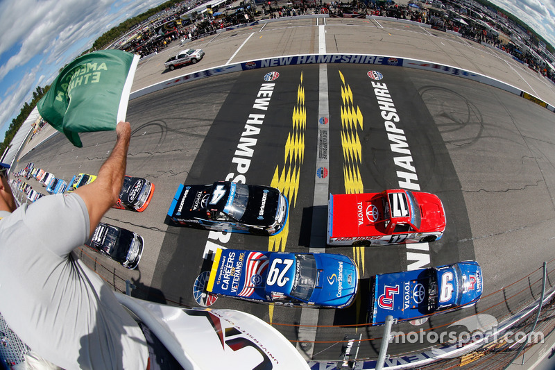 Salida: William Byron, Kyle Busch Motorsports Toyota liderando