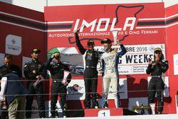 Podio S.GTCup Gara 2: al secondo posto D'€™amico-Zaugg, Raton Racing, i vincitori Nemoto-Costa, Vincenzo Sospiri Racing, al terzo posto Simone Pellegrinelli Imperiale Racing
