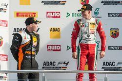 Podio: Joseph Mawson, Van Amersfoort Racing y Mick Schumacher, Prema Powerteam