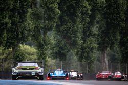 Ричи Стэнэвей, Джонни Адам и Фернандо Реес, #97 Aston Martin Racing Aston Martin V8 Vantage GTE