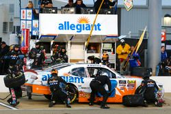 Spencer Gallagher, GMS Racing, Chevrolet Camaro Allegiant pit stop