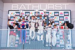 Podio Class I: ganadores Keith Kassulke, Rod Salmon, Will Brown, MARC Cars Australia, segundos Zane