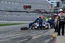 #32 United Autosports Ligier LMP2, P: Will Owen, Hugo de Sadeleer, Bruno Senna, Paul di Resta pit st