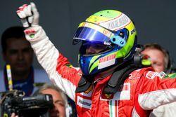Felipe Massa, Ferrari F2007 celebrates Pole Position