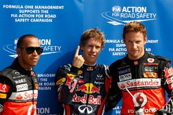 Polesitter Sebastian Vettel, Red Bull Racing, second place Lewis Hamilton, McLaren and third place