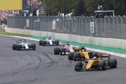 Nico Hulkenberg, Renault Sport F1 Team RS17, Carlos Sainz Jr., Renault Sport F1 Team RS17, Sergio Perez, Sahara Force India F1 VJM10, Felipe Massa, Williams FW40, Lance Stroll, Williams FW40