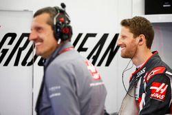 Günther Steiner, Team Principal, Haas F1, et Romain Grosjean, Haas F1 Team