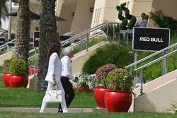 Bernie Ecclestone, and Fabiana Ecclestone (BRA)