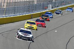Kevin Harvick, Stewart-Haas Racing, Ford Fusion Jimmy John's e Ryan Blaney, Team Penske, Ford Fusion Menards / Pennzoil
