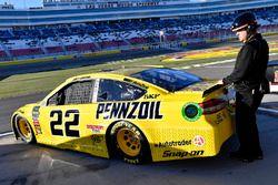 Joey Logano, Team Penske, Ford Fusion Pennzoil and Dan Lynch.