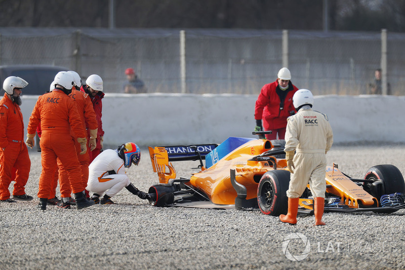 7. Fernando Alonso, McLaren MCL33 después de su incidente
