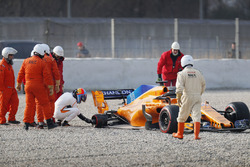 Fernando Alonso, McLaren MCL33 after his crash