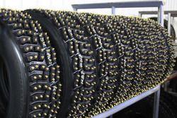 Çivili pirelli lastikleri