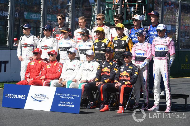 Pasa las fotos y descubre los debuts de los pilotos de F1 actuales