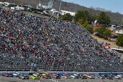 Denny Hamlin, Joe Gibbs Racing, Toyota Camry FedEx Ground y Kyle Busch, Joe Gibbs Racing, Toyota Cam
