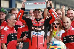 Il vincitore della gara Chaz Davies, Aruba.it Racing-Ducati SBK Team