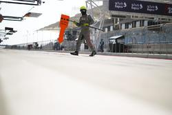 #1 Porsche Team team member in the pitlane