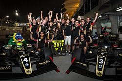 2017 champion Pietro Fittipaldi, Lotus, celebrates with his team