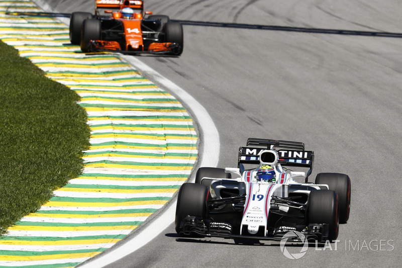 Alonso enquires about gap to Massa