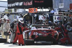 Пит-стоп: Лоусон Ашенбах, Джастин Маркс, Марио Фарнбахер, Michael Shank Racing, Acura NSX (№93)