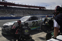 Gray Gaulding, BK Racing, Toyota Camry Earthwater, pit stop