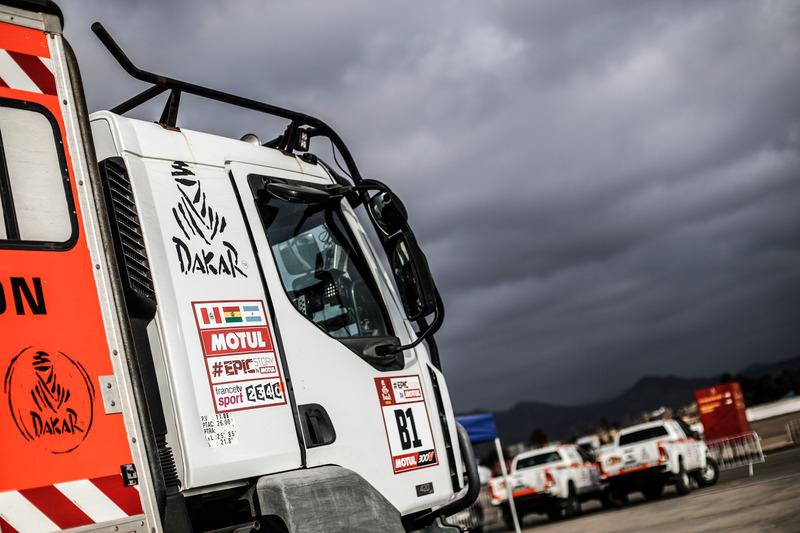 Vehículos listos para Rally Dakar