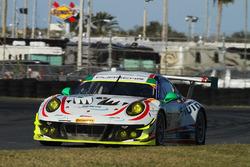 #59 Manthey Racing Porsche 911 GT3 R: Steve Smith, Harald Proczyk, Sven Muller, Matteo Cairoli